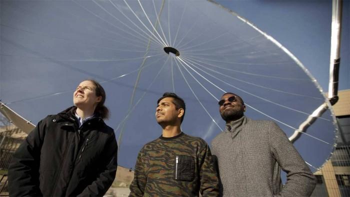 科学家们创造了一种高效的太阳能装置来制造氢气