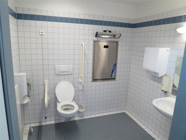 为什么男性上厕所时间会比女性要长那么久 都在干什么?