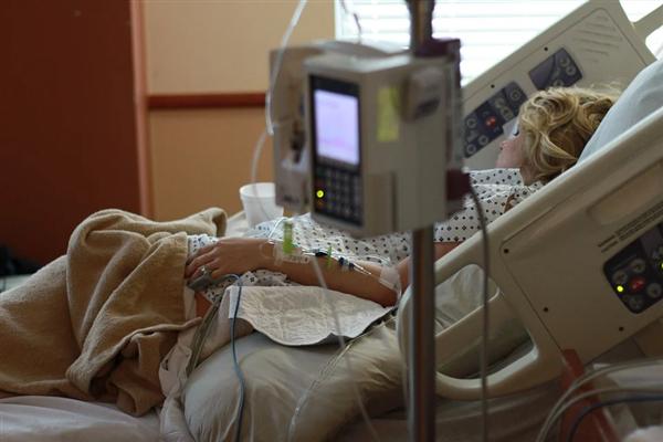 美新冠患者出院后收到巨额账单:约合人民币273万元