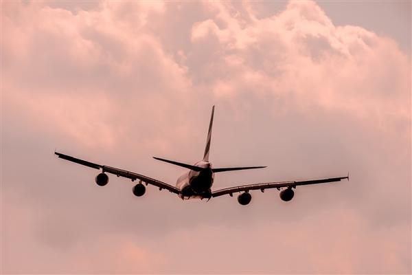 江西航空一飞机在万米高空飞行时挡风玻璃破裂!专家解读