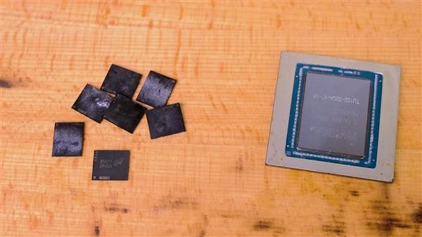 民间出高手!物理损坏的RTX 2080 Ti遭神奇拯救:还魔改了22GB显存