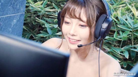 日本女主播边泡温泉边打游戏 到底坑没坑队友?
