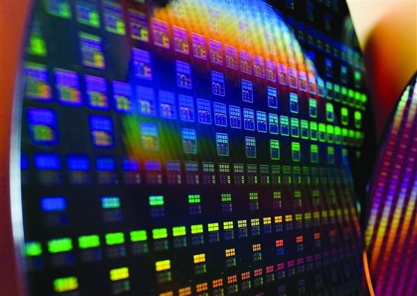 台积电1nm取得重要进展:硅芯片的物理极限有办法了