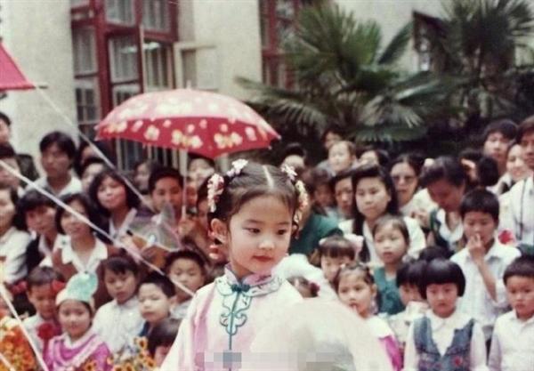 刘亦菲童年表演照曝光 灵气十足从小美到大