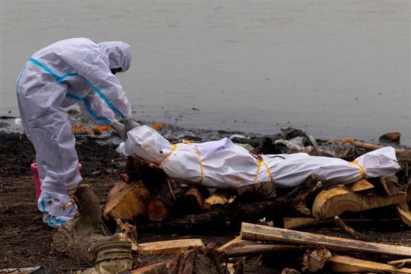 印度单日新冠死亡4529例:超越美国 创造新纪录