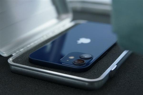 曝iPhone 13用上4352mAh大电池 但真正续航能力仍存在巨大隐忧
