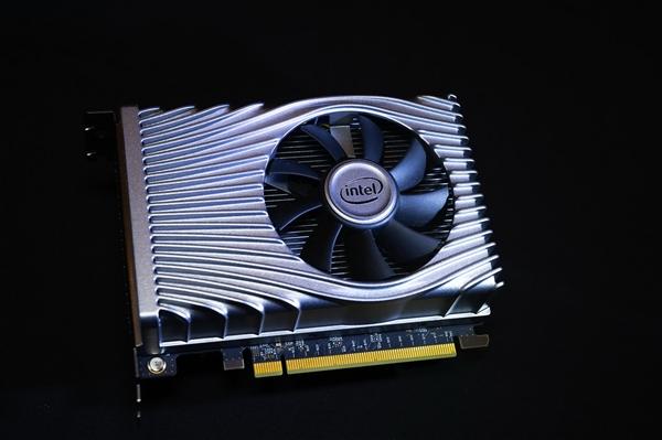 AMD显卡鸡血技术FSR发布 Intel:想用用