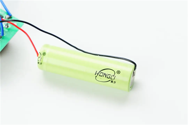 揭秘拼多多1x元超低价电蚊拍:探寻电池乱相