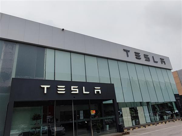因制动和安全带隐患 特斯拉中国宣布召回部分进口Model 3车型