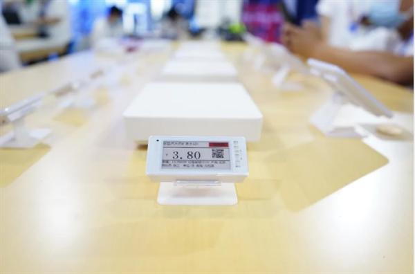"""努比亚推出""""电子价签"""":一键改价格 目前已铺货百万块"""