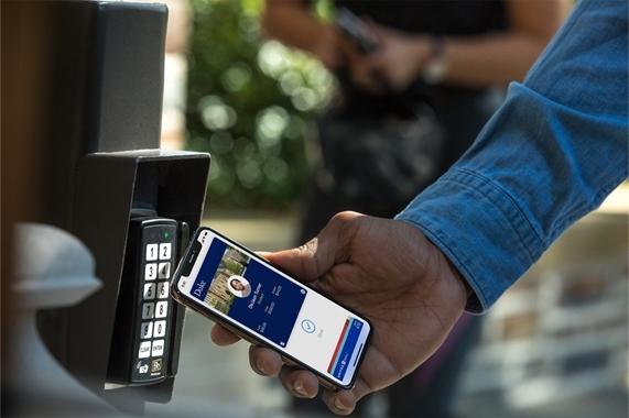 iPhone NFC终于开放了!公交卡充值功能上线