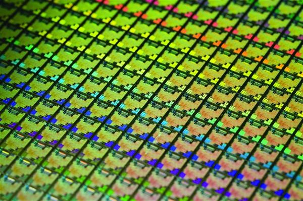 华虹半导体宣布量产90nm BCD工艺:性能高、核心面积小