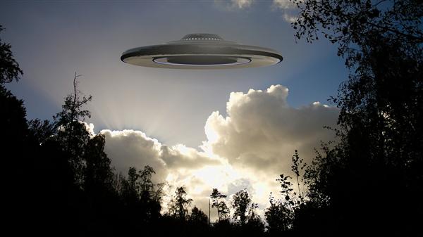 美国退役士兵称曾接触过UFO:还画下了飞船上的神秘铭文