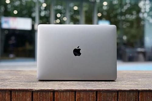 直播标签显示WWDC原本要出现新款MacBook Pro
