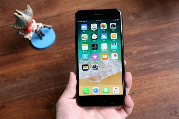 iPhone SE 3/SE Plus齐曝光:大小钢炮外形迥然不同