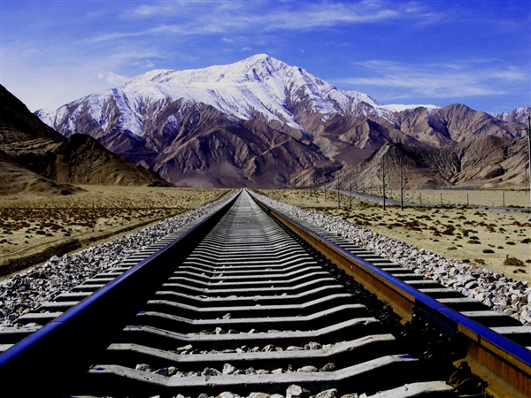 青藏铁路一期提质正式启动:将首次开行动车组 节省4.7小时