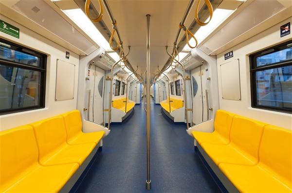 今天起 北京地铁可刷数字人民币乘车