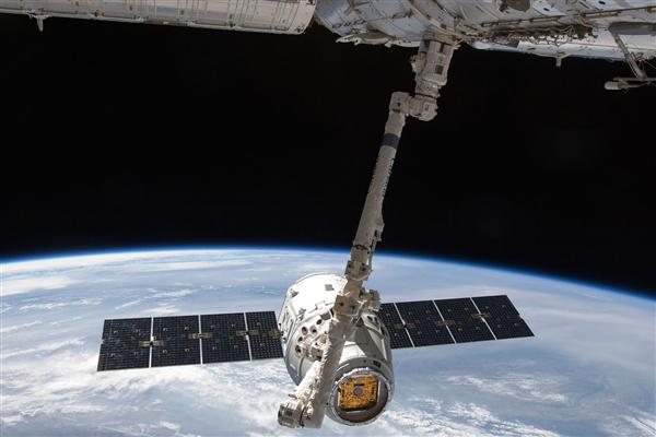 SpaceX再送88颗卫星升空!八手火箭成功着陆回收