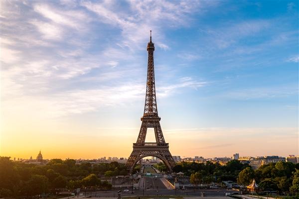 法国埃菲尔铁塔时隔9个月重新开放:损失超9亿元