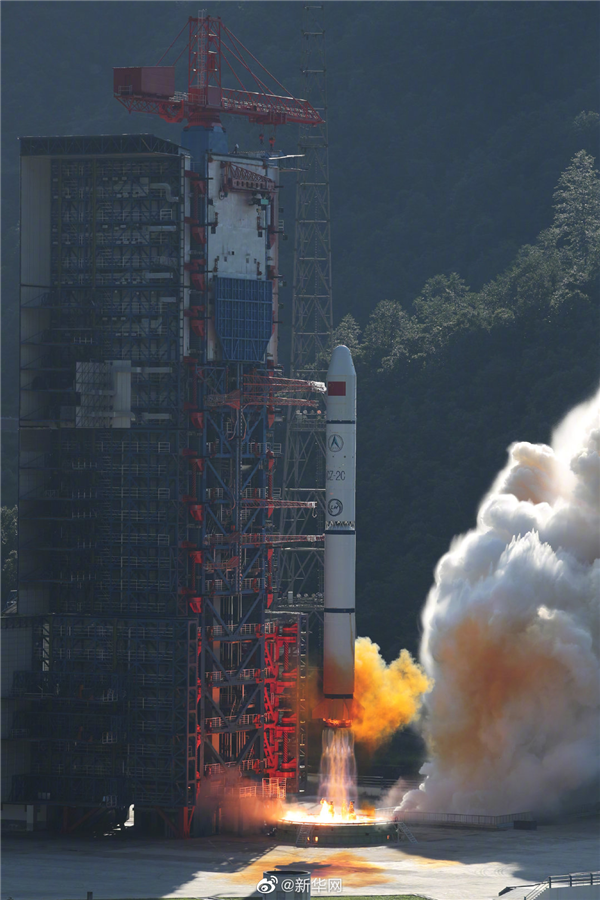 十战全胜!长二丙成功发射遥感三十号10组卫星