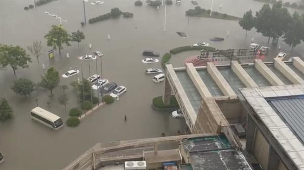 鹤壁降水量已超过郑州:累计平均降水量569.4毫米 特大暴雨还在继续