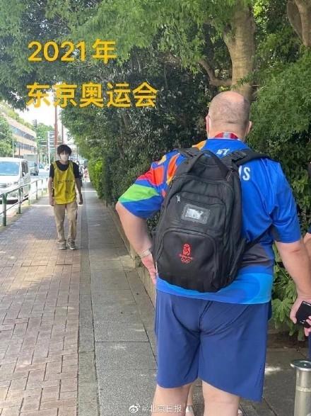 东京奥运会惊现北京奥运会纪念书包  网友:13年了 质量杠杠的