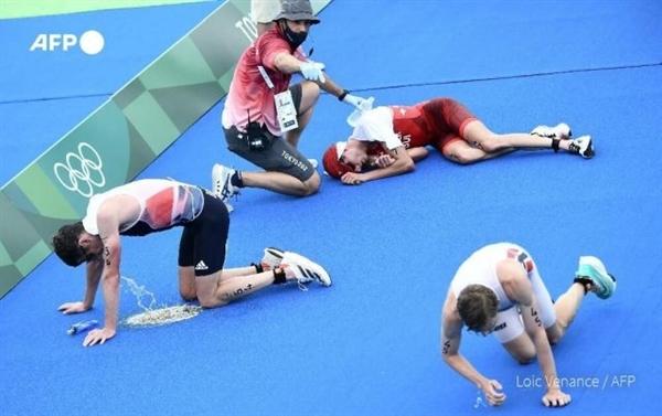 东京湾臭气熏天 日本奥运会铁人三项比赛 有运动员吐了