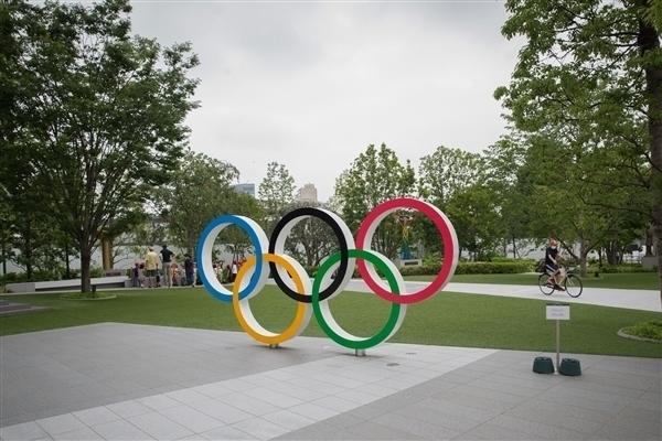 东京奥组委提示没必要咬金牌:是电子产品回收金属做的!