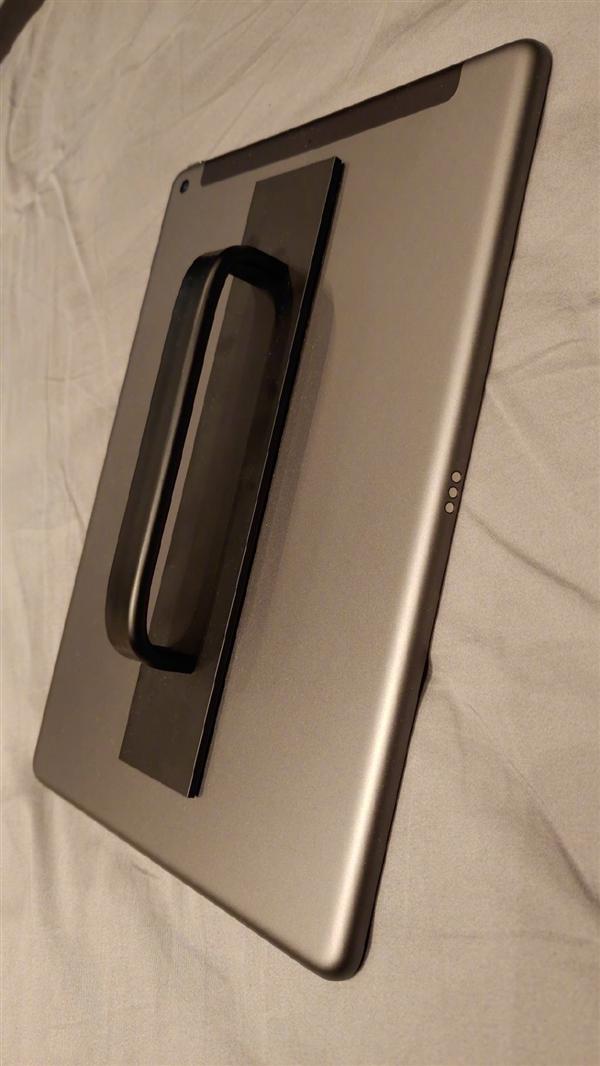 罗永浩改造iPad!灵感来自卫生间门把手