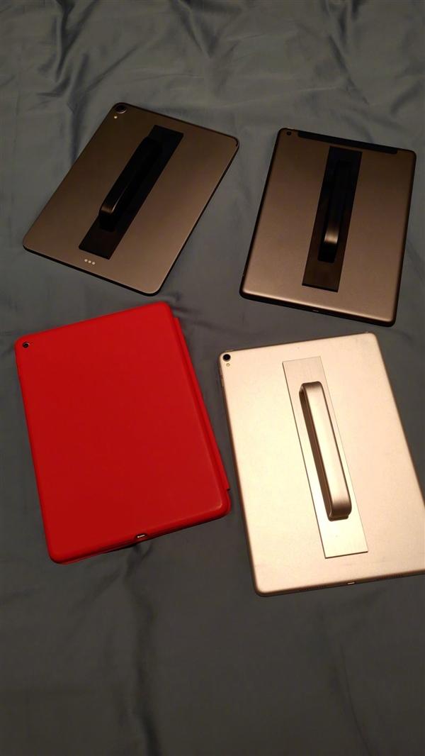 罗永浩晒iPad全家福:在我的影响下全家iPad都装上了门把手