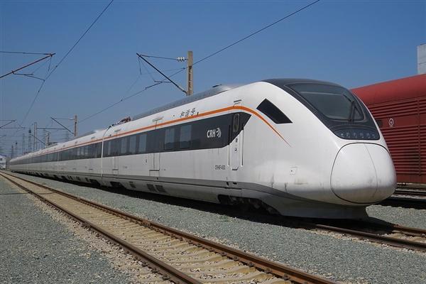 我国铁路投资急刹车:6年来 第一次半年不足3000亿元