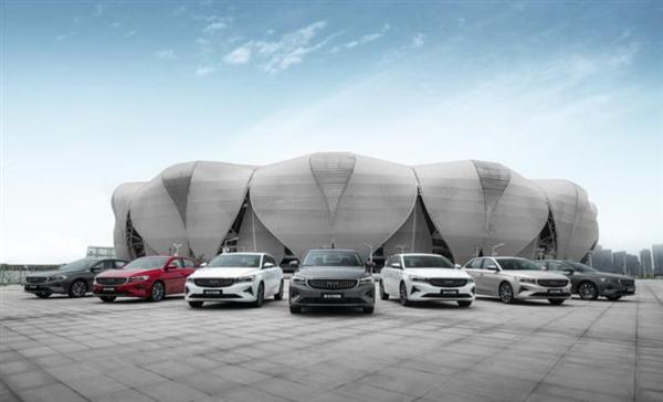 吉利汽车目标2025年销量实现365万辆!网友:1天卖1万辆