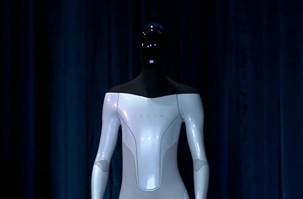 2022年上线?特斯拉人形机器人被批就是个笑话