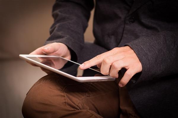 曝iPad 9将于9月发布:取消喇叭孔新设计量产难、推迟登场