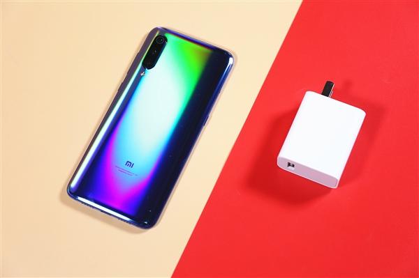 老外发现小米手机计划限制用户更换非官方电池:弹窗警告并放慢充电速度