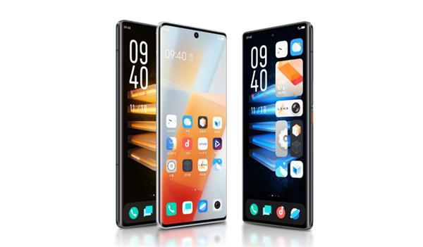 手机屏幕天花板!王自健换上iQOO 8 Pro