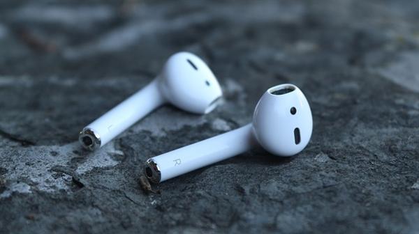 长时间使用耳机或致耳朵发炎:以后要控制戴耳机时间