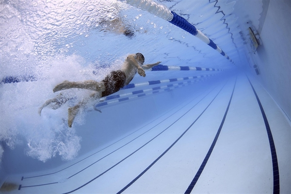 袁隆平差点进入游泳国家队 网友:优秀的人在哪里都闪闪发光