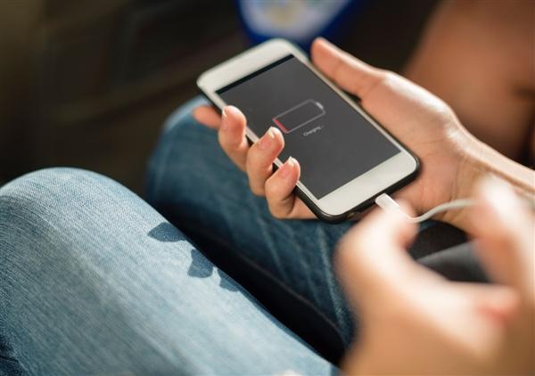 """""""苹果充电器""""或成历史:欧盟要求3年内统一"""