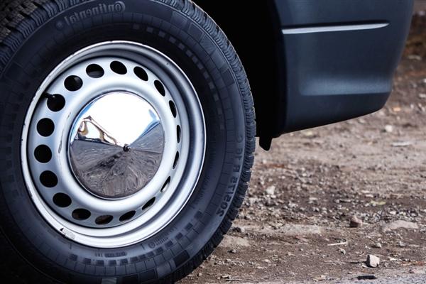 """降价幅度达7%!轮胎价格""""明涨暗降"""""""