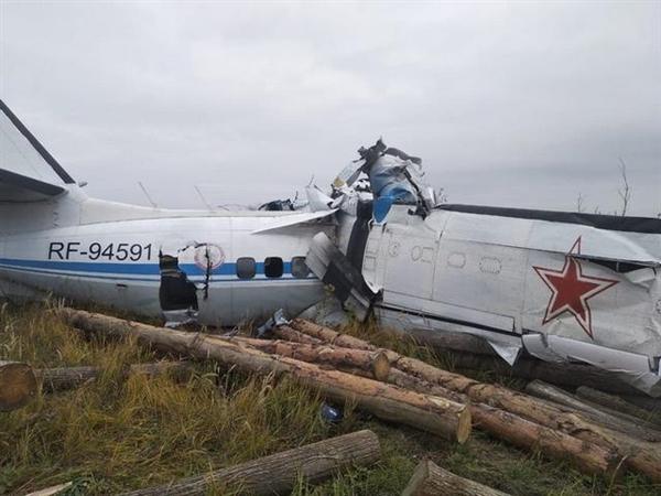 俄罗斯一轻型飞机坠毁 16人遇难:或因超载